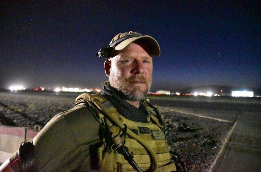 david-gilkey-npr-photographer-at-kandahar-airfield-afghanistan-on-may-29-2016.jpg_custom-df6a1657abfe49d01676acb71de8e2aca90e767d-s900-c85